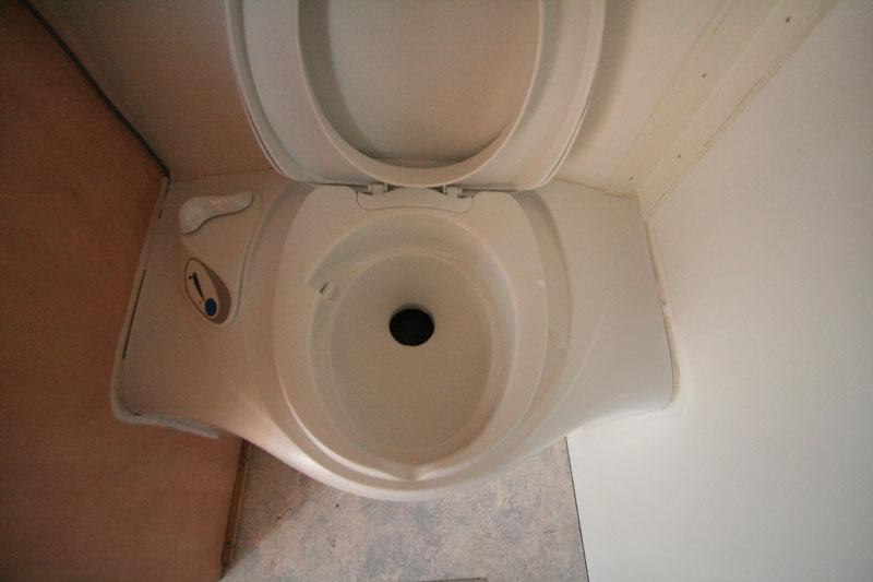 toilette austauschen wohnwagen